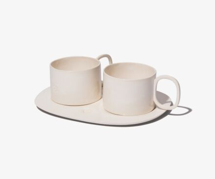 2 CUPS HOLLOW HANDLES WITH TRAY