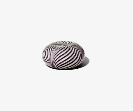WHITE/BLACK PAPERWEIGHT
