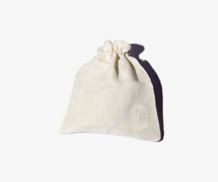 Small cream Lys travel pouch
