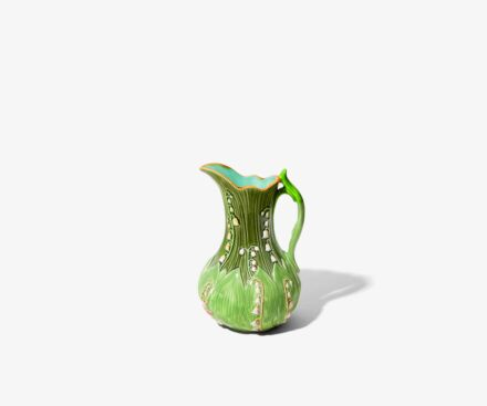 Pitcher leaves / bellflowers two-colors green
