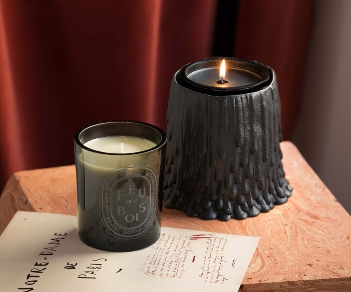 BLACK DRIPPING CANDLE HOLDER